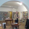 Jonaz, the steady hand in the new bookshop